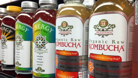 151205122018-02-kombucha-tea-grocery-shelf-large-169